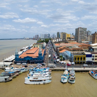 Belem  vue bateaux dans le port