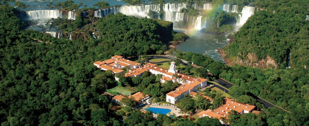 Hotel das Cataratas from above.
