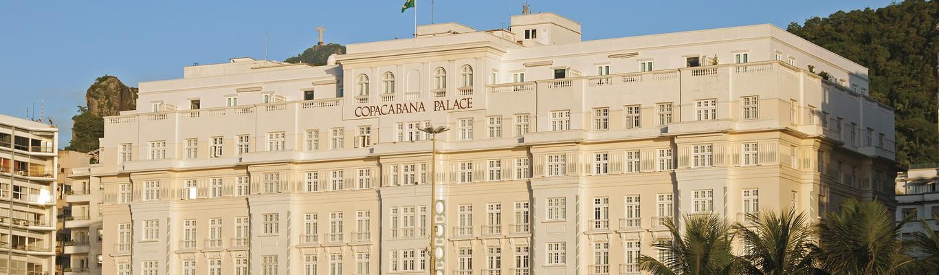 The facade of the famour Copacabana palace hotel.