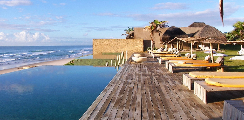 Kenoa Resort Pool