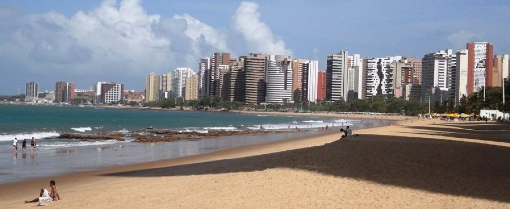 Beira Mar avenue from the beach in Fortaleza.