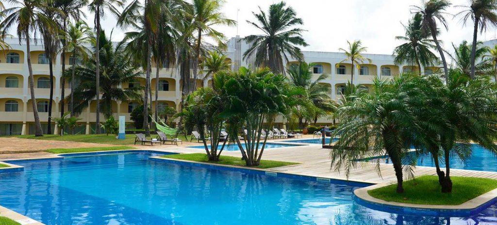 Hotel Pestana São Luís swimming pool.