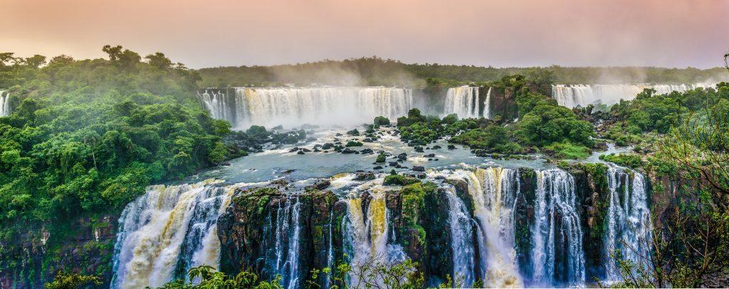 Panoramic view of the famous Iguaçu falls.