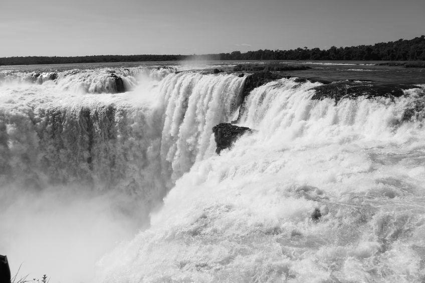 Devils Throat at Iguaçu. Black and White