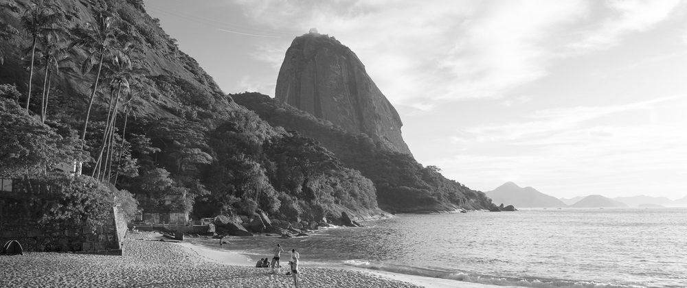 Rio de Janeiro beach in Black and White.